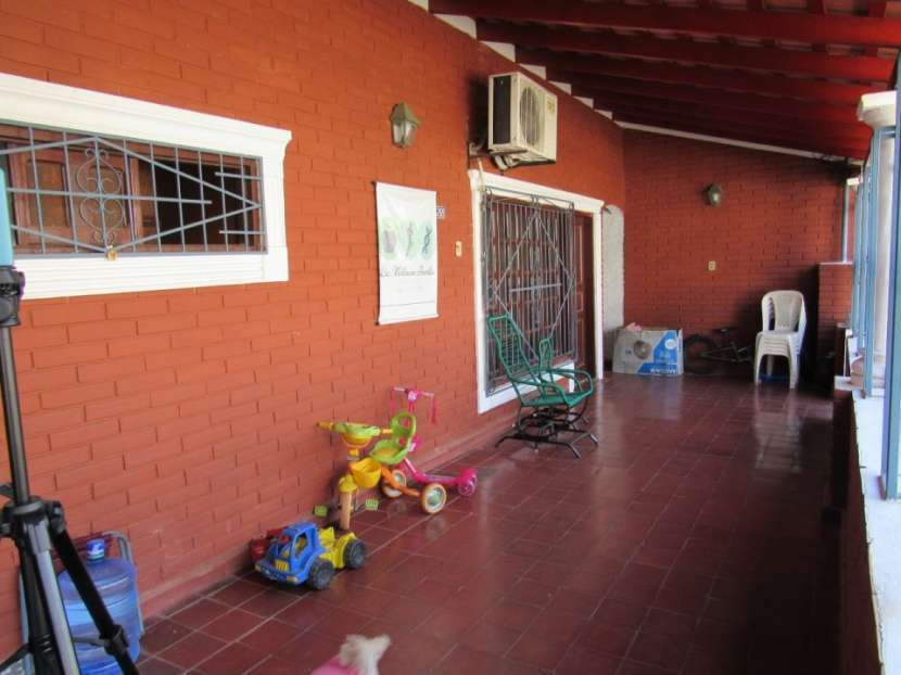 Casa en Cacique Lambaré - 6