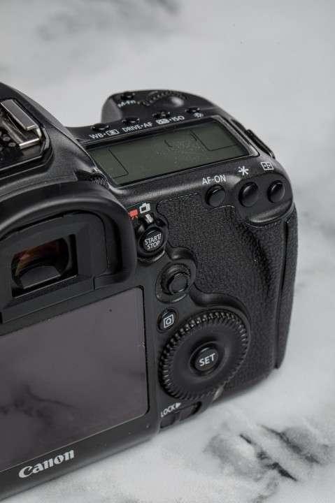 Cámara Profesional Canon EOS 5DsR - 50 megapíxeles - 3