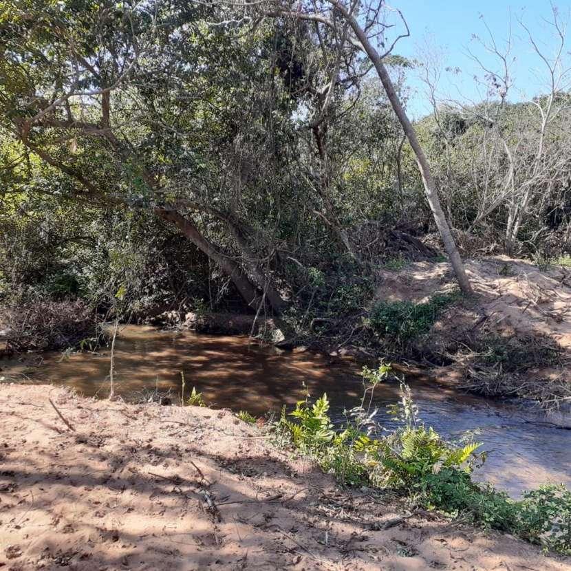 Terrenos con arroyo Tobatí - 2
