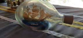 Barco en botella antigüa
