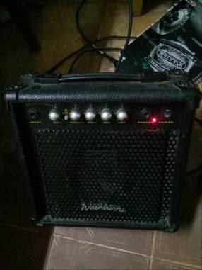 Amplificador 15W para guitarra