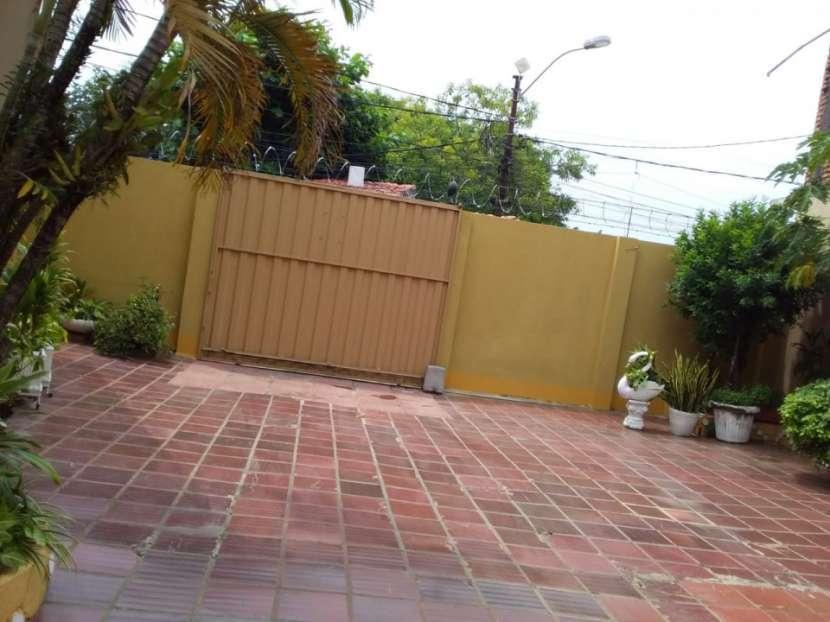 Residencia en esquina en Barrio Catedral - 2