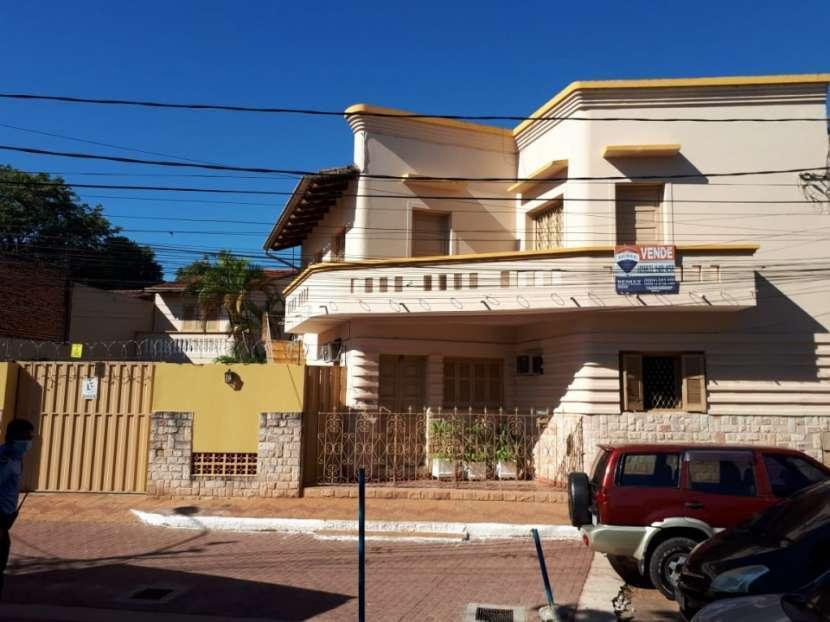 Residencia en esquina en Barrio Catedral - 1