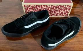 Vans Berle Pro color negro calce us 11