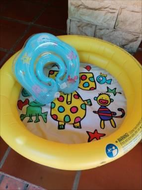 Flotador y piscina para bebé