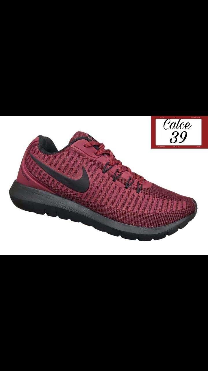Calzado Nike deportivo - 0