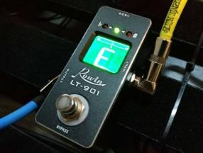 Pedal afinador para guitarra eléctrica