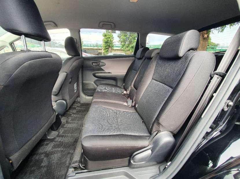 Toyota New Wish 2011 - 3
