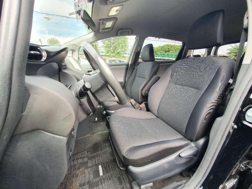Toyota New Wish 2011 - 7