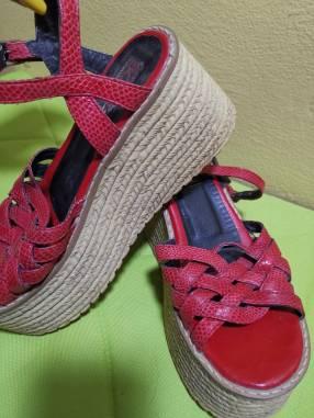 Sandalia de cuero para dama calce 36