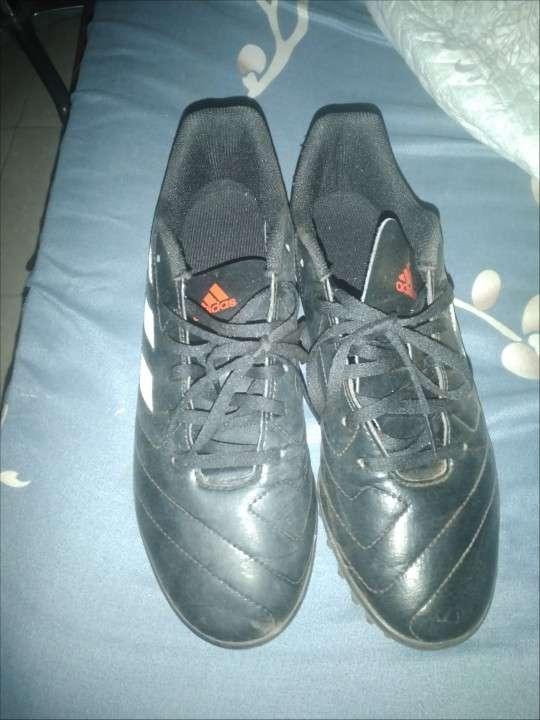 Champion Adidas calce 42 - 0