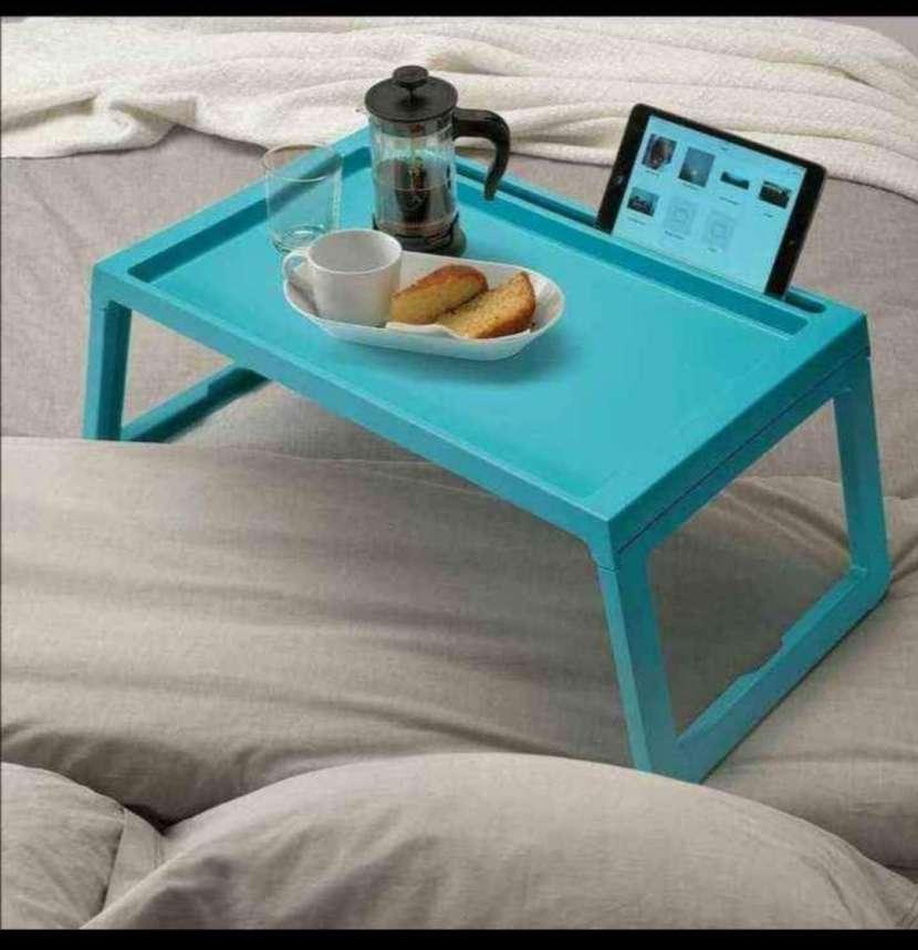 Mesita para notebook o desayunador - 3