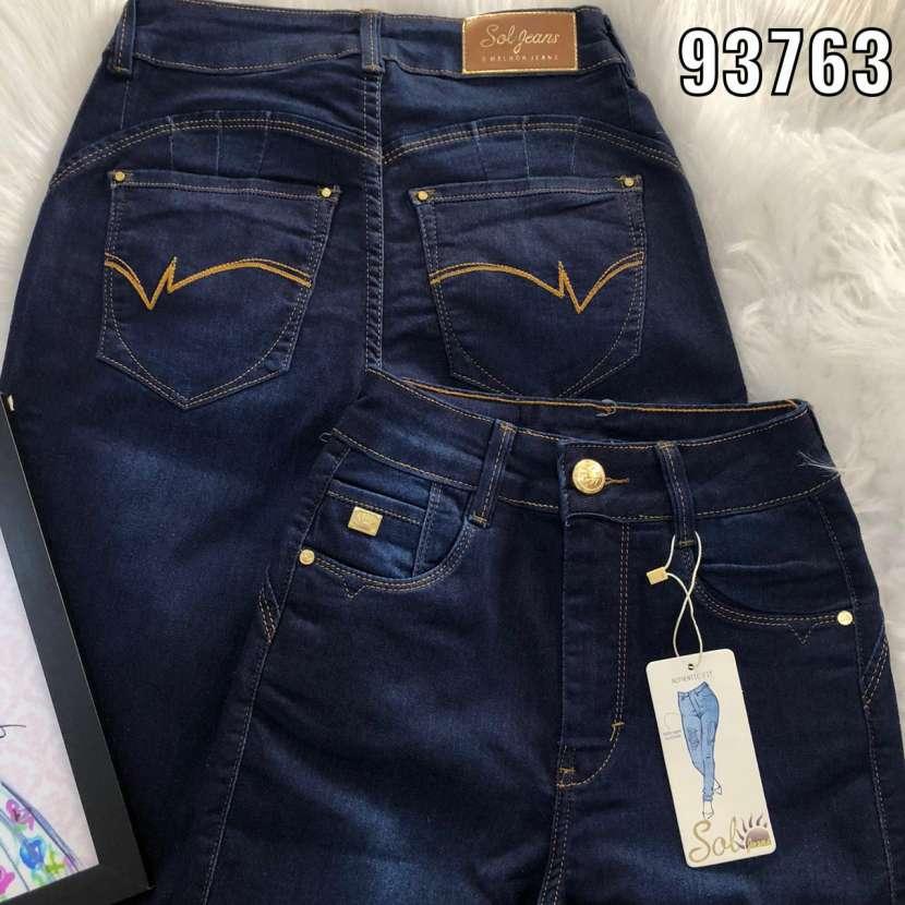 Sol Jeans con bordados - 0