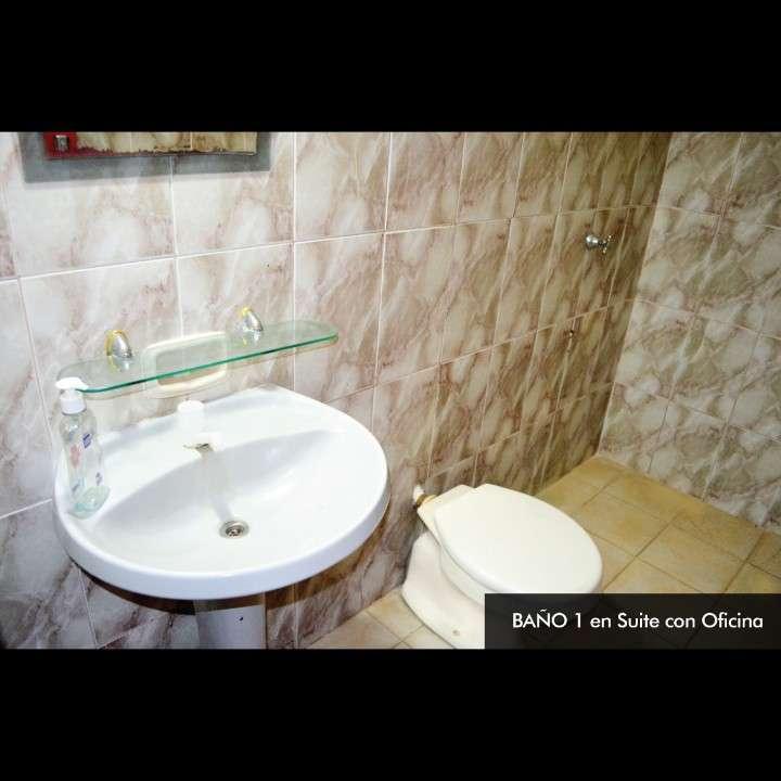 Casa de 2 pisos en Lambaré en excelente estado - 4