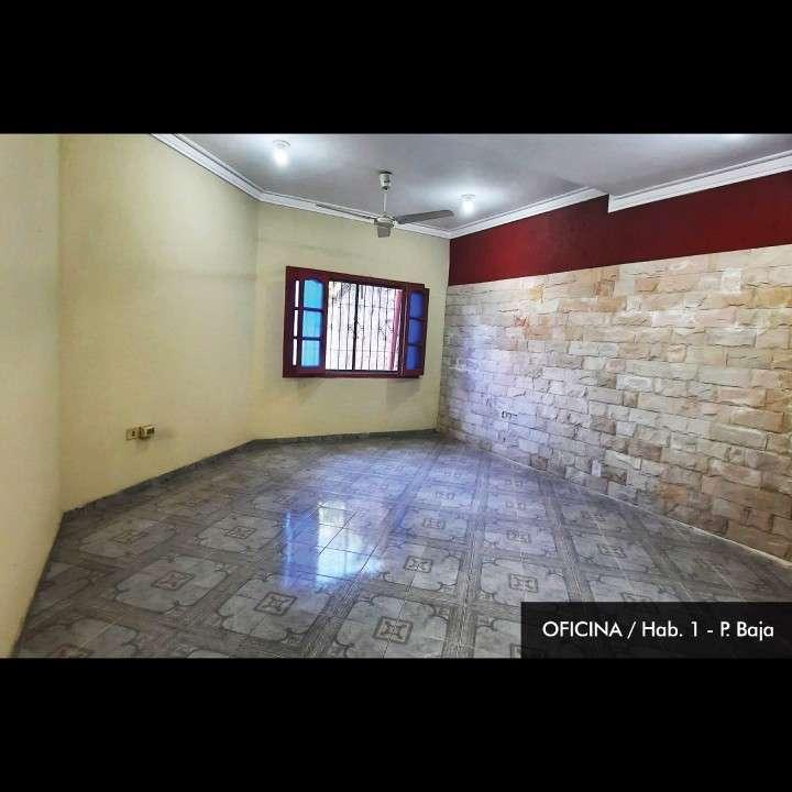 Casa de 2 pisos en Lambaré en excelente estado - 3