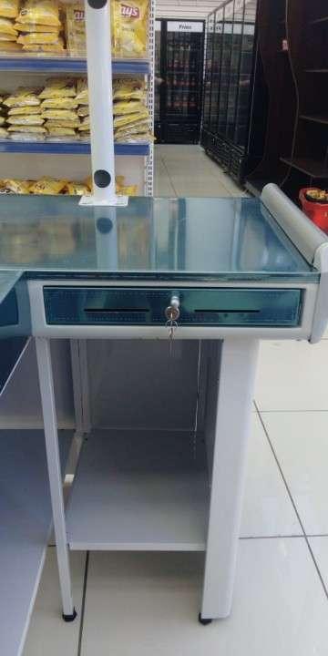 Mesa para cajera metal Refrimate 150 cm x 100 cm - 1
