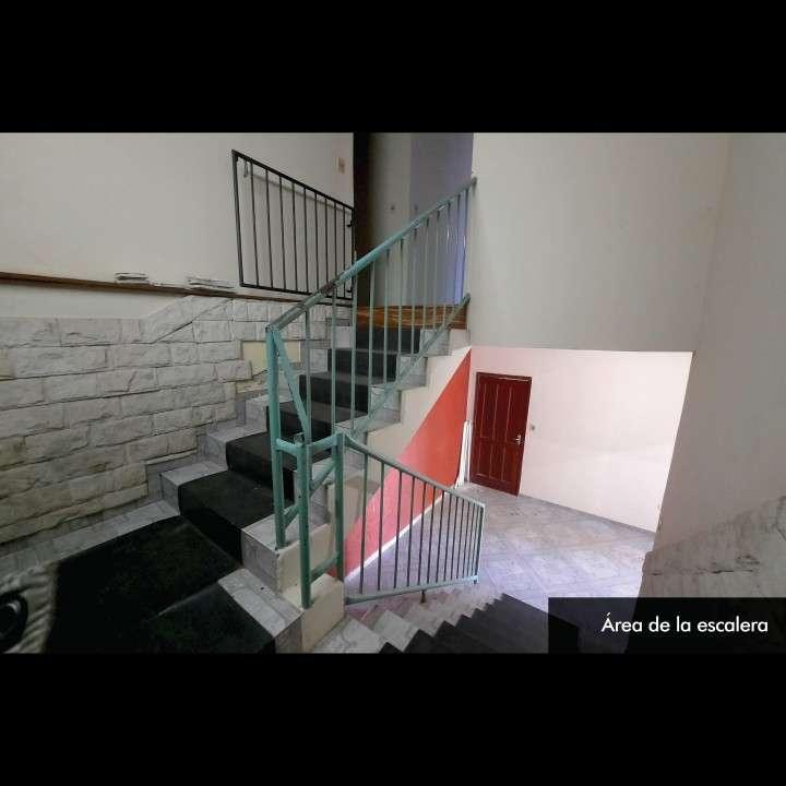 Casa de 2 pisos en Lambaré en excelente estado - 2