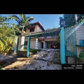 Casa de 2 pisos en Lambaré en excelente estado