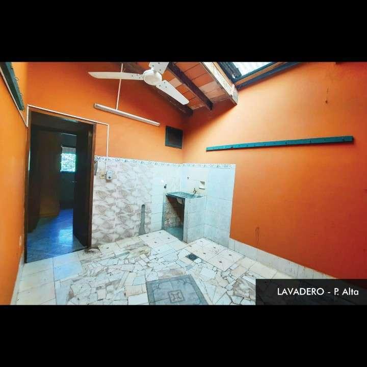 Casa de 2 pisos en Lambaré en excelente estado - 6