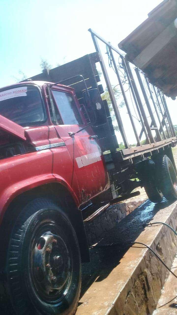 Camión de carga para 12.500 kilos Toyota 6000 sencillo - 0