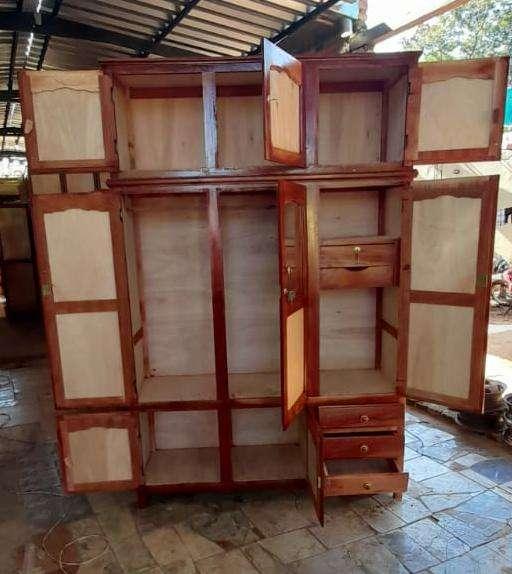 Roperos de 3 puertas con valijera - 1