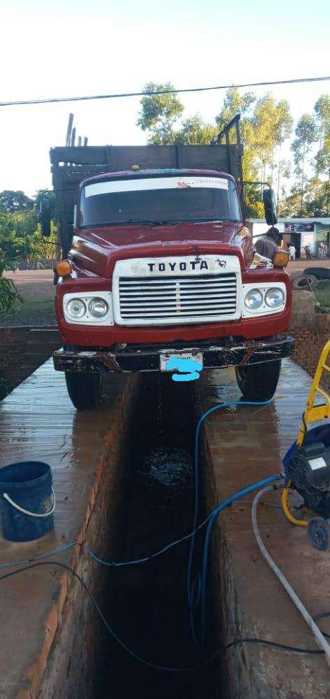 Camión de carga para 12.500 kilos Toyota 6000 sencillo - 1