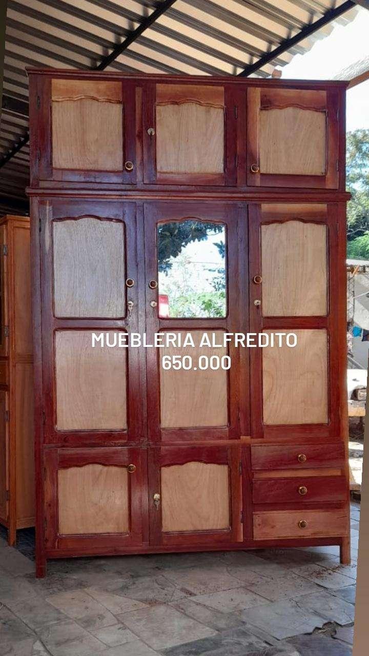 Roperos de 3 puertas con valijera - 2