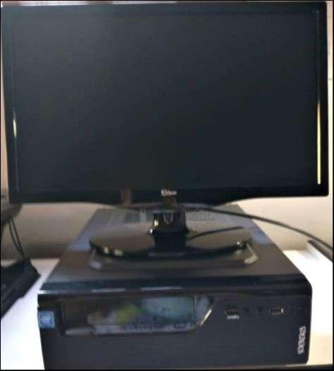 Computadora para escritorio - 0