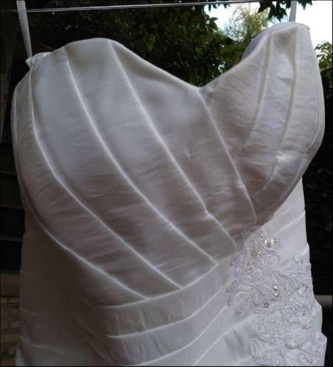 Vestido de novia blanco de gripur - 3