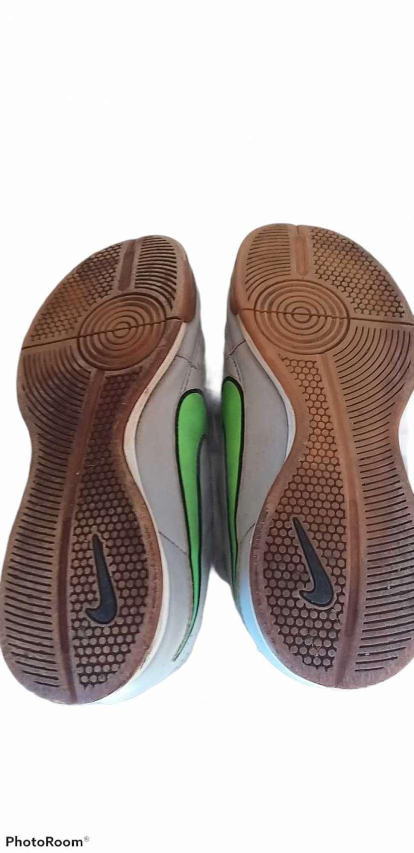 Calzado Nike Tiempo para futsal calce 38 - 1