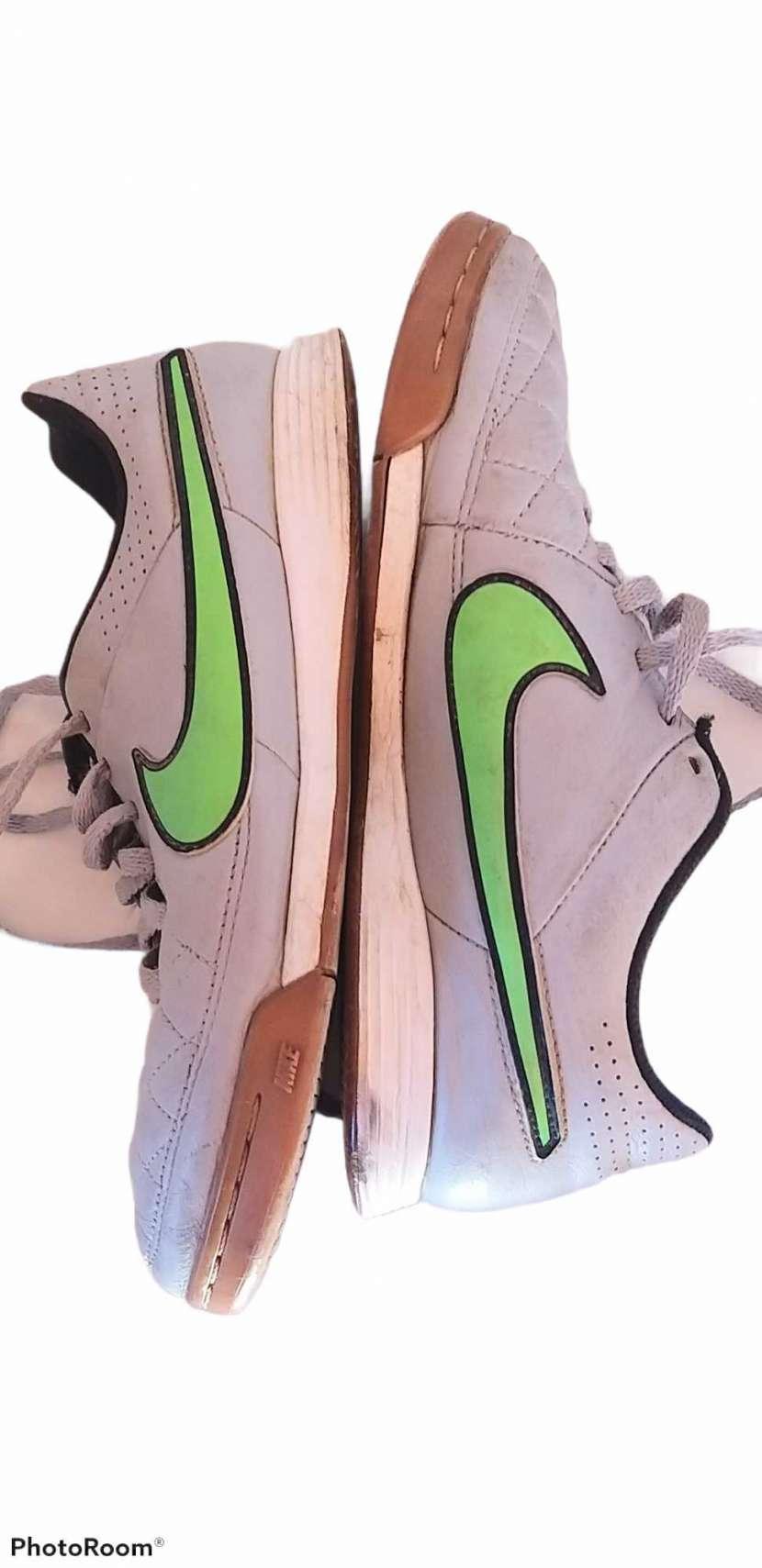Calzado Nike Tiempo para futsal calce 38 - 2