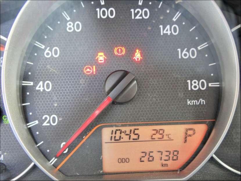 Toyota New Ractis 2011 - 6