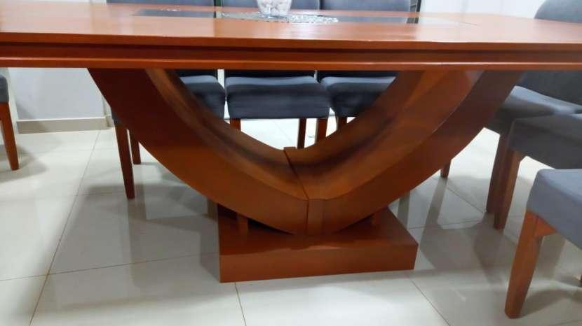 Mesa de comedor con 10 sillas - 3