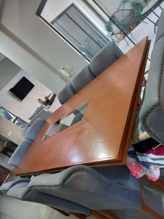 Mesa de comedor con 10 sillas - 4