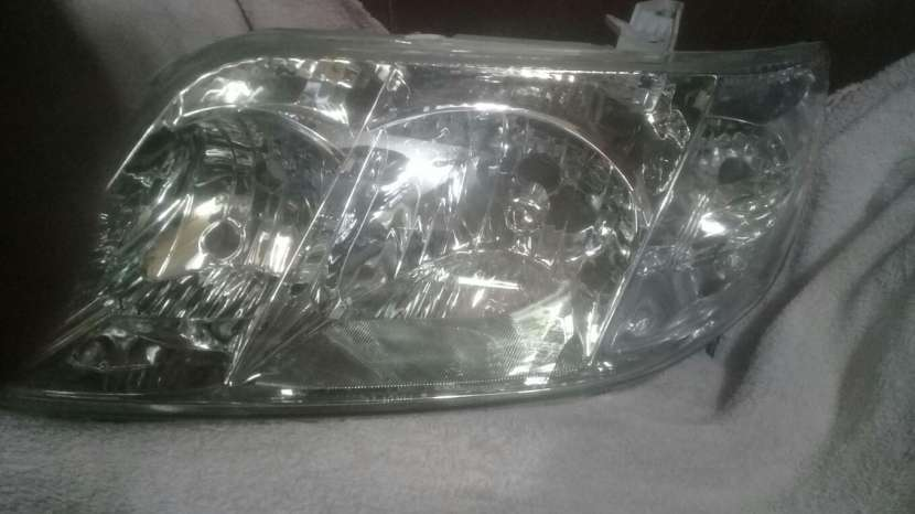 Faro frontal New Corolla 2005 - 0