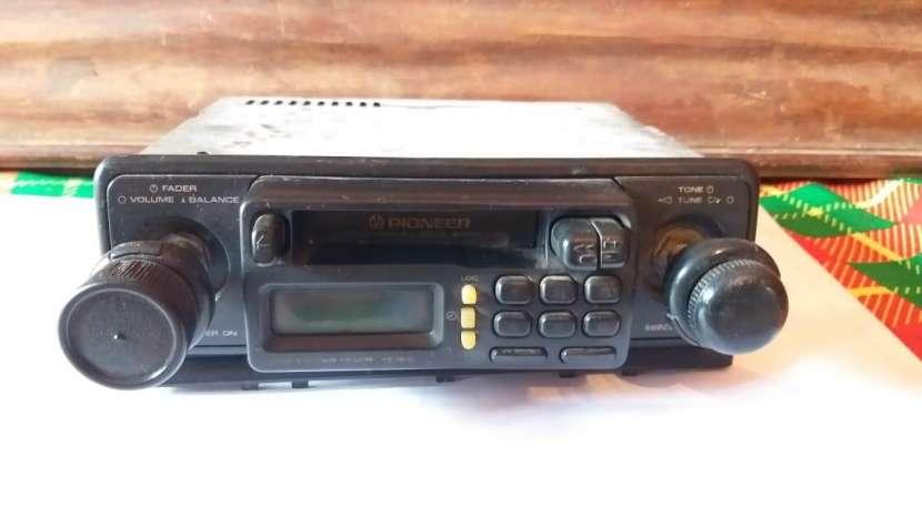 Radio casetero Pioneer - 0