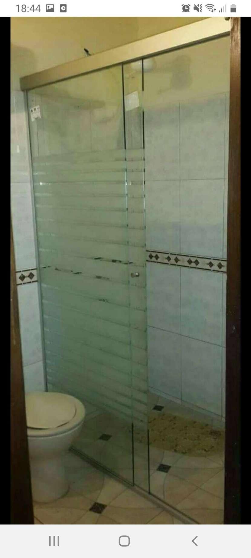 Mamparas con diseños en arenados de vidrios templados - 2
