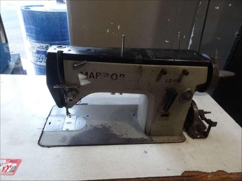 Máquina de coser industrial tipo bordadora - 1