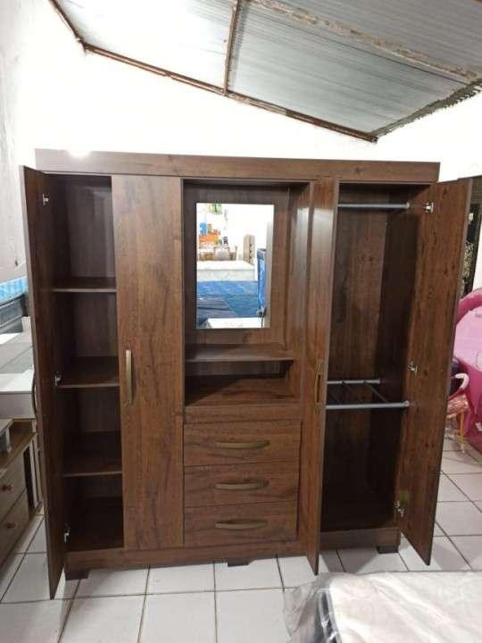 Ropero 4 puertas 3 cajones Capelinha Notavel castaño Abba - 3