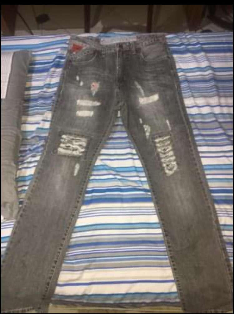 Conjuntos de jeans y pantalones semi nuevos - 1