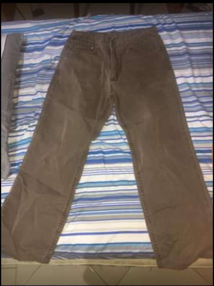 Conjuntos de jeans y pantalones semi nuevos - 2