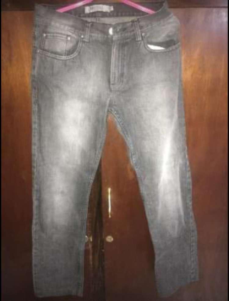 Conjuntos de jeans y pantalones semi nuevos - 4