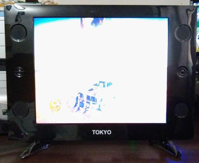 Televisor Tokyo de 21 pulgadas con control - 0