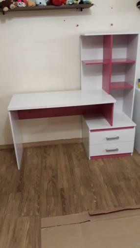 Escritorio Poli con cómoda blanco rosa 3997