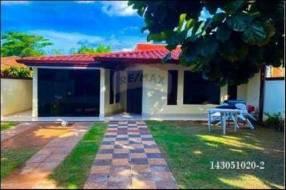 Casa en Av. Las Residentas de Luque barrio Ykua Dure