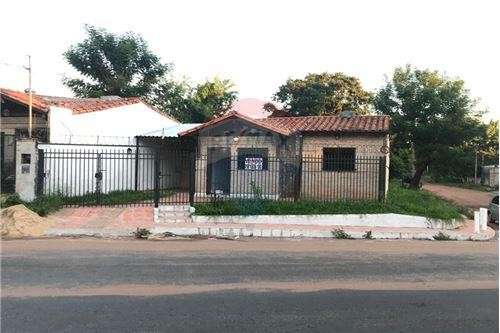 Duplex en esquina en Villa Elisa - 1