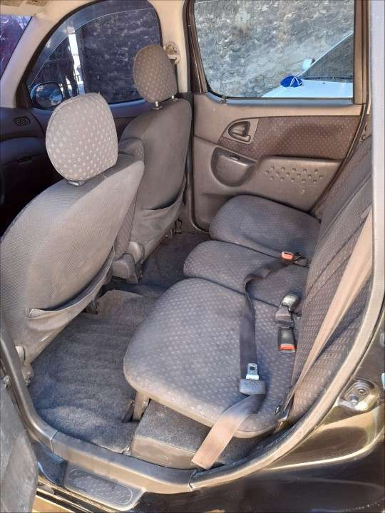 Toyota FunCargo 2003 - 6