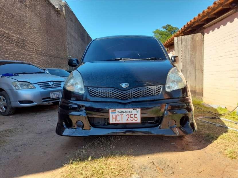 Toyota FunCargo 2003 - 1