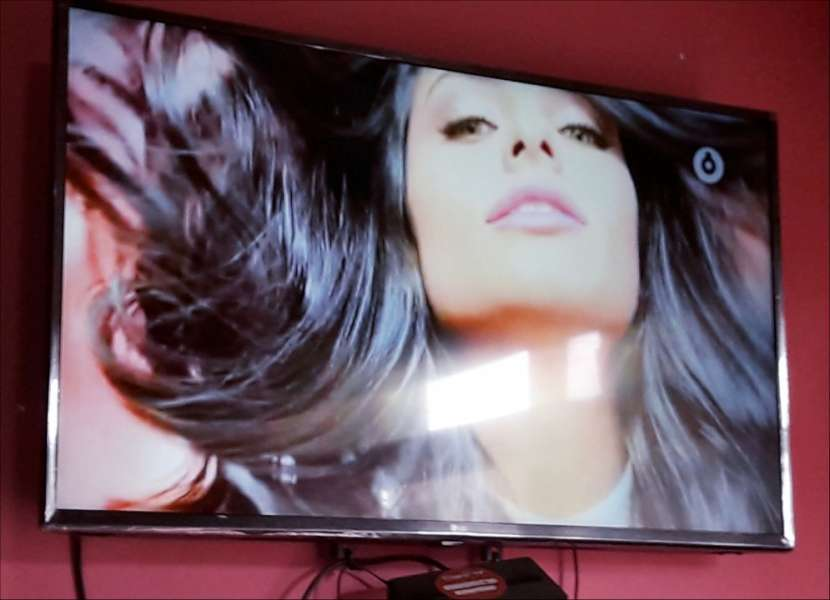 Smart TV LG de 43 pulgadas - 2
