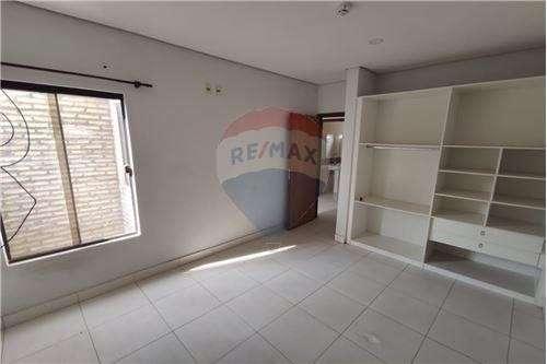 Duplex en condominio en Luque Laurelty Los Lapachos VII - 6